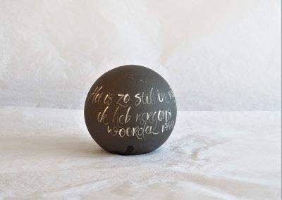 Urn willow, zwart, Clay-Obscuur