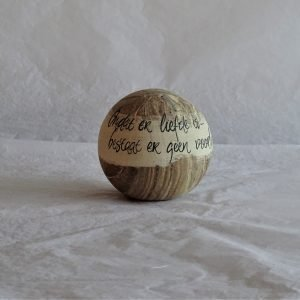 Urn willow, gemarmerd, Clay-Obscuur